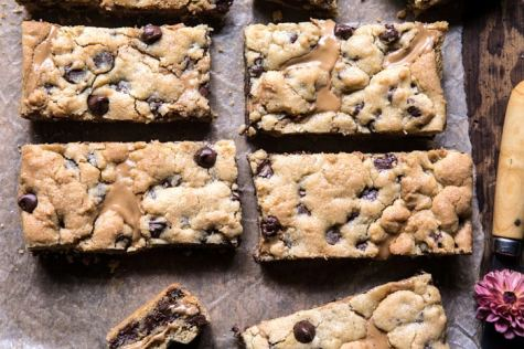 The-Best-Chocolate-Chip-Peanut-Butter-Swirled-Cookie-Bars-8-700x467
